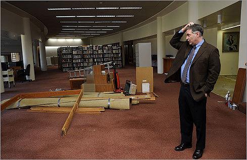 School Library Dumps Books in Favor of Internet